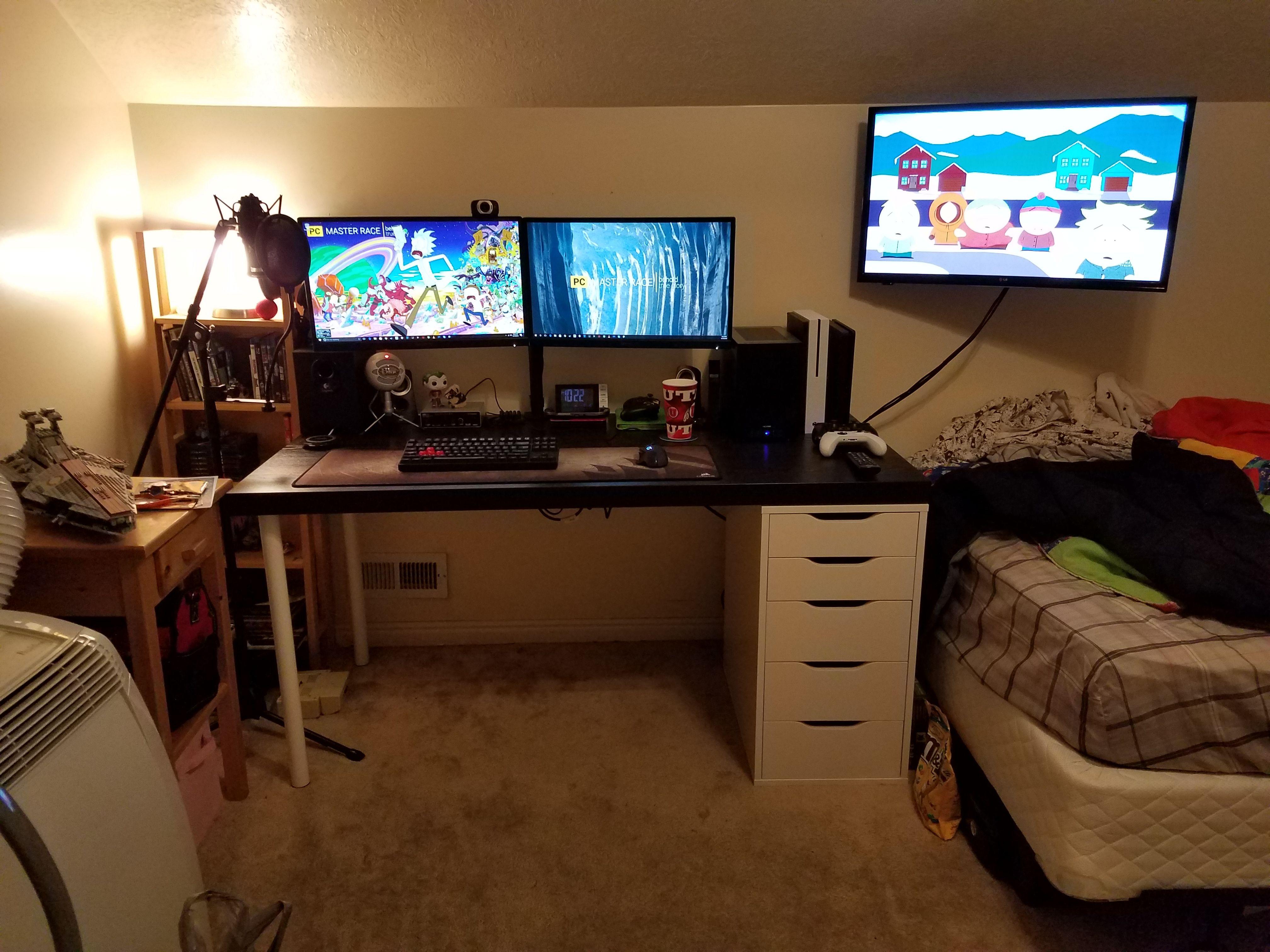 BattlestationV1 2016 Laptop gaming setup, Desk setup