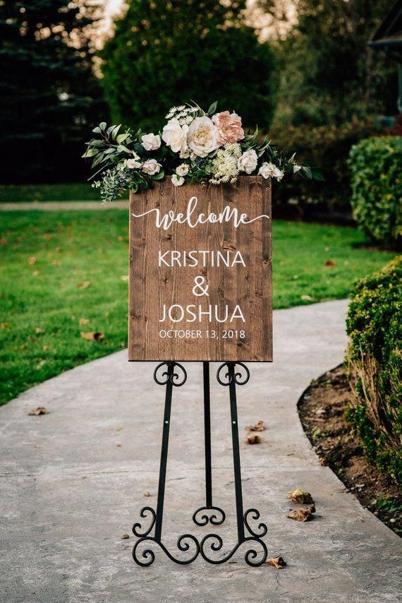 Wedding Welcome Sign - Vertical Wooden Wedding Sign - Rustic Wedding Decor #weddingwelcomesign