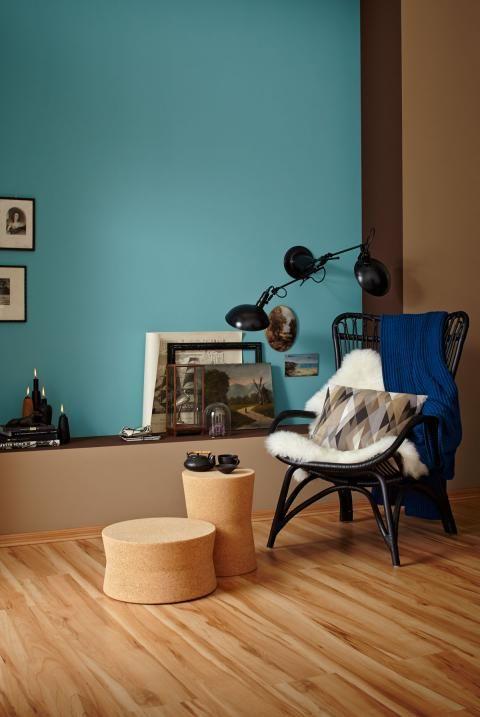 Helle, natürliche Farben und Petrol wirken wohnlich Wohnzimmer
