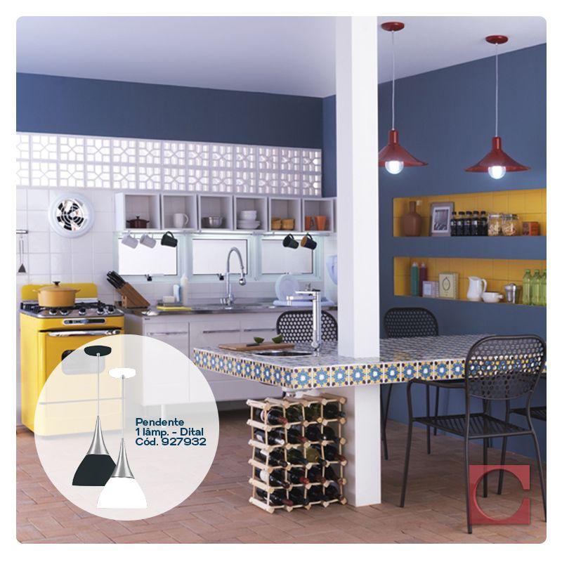 Dica Cassol: os pendentes são o arremate da decoração de salas de jantar, cozinhas, salas de estar e até quartos. Invista na iluminação para garantir o charme do seu ambiente.