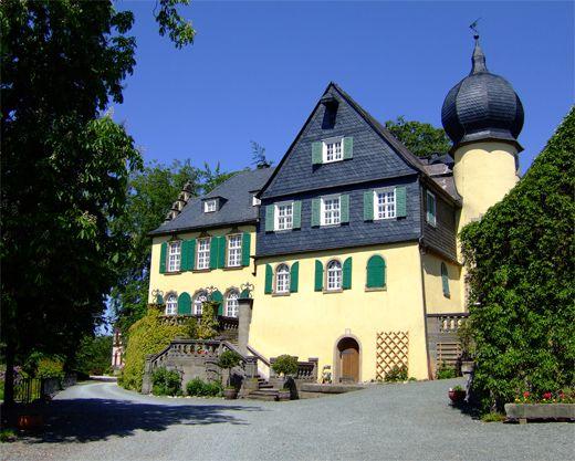 Schloss Heinersreuth In Presseck In Bayern Freiherren Von Lerchenfeld Schloss Heinersreuth Rittergut