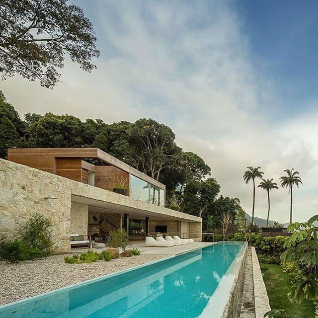AL Rio de Janeiro House by Arthur Casas Location: Pedra da Gavea dome #Rio de Janeiro #Brasil by _archidesignhome_