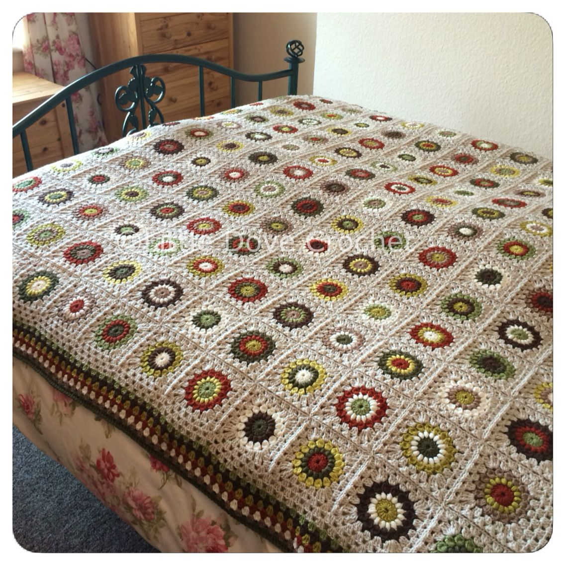 king size crochet sunburst blanket in autumnal colours by little dove crochet charts muster. Black Bedroom Furniture Sets. Home Design Ideas