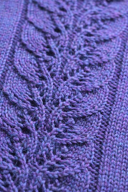 Lovely lace panel. Ravelry: Dapple Cowl pattern by Playing ...