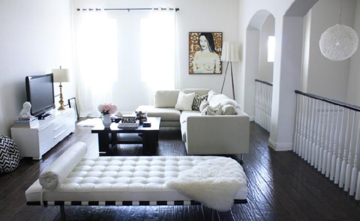 Madebygirl Blogspot Com Beautiful Airy Living Room Design With White Leather Bench Suzie Daybed In Living Room Living Room Bench Home