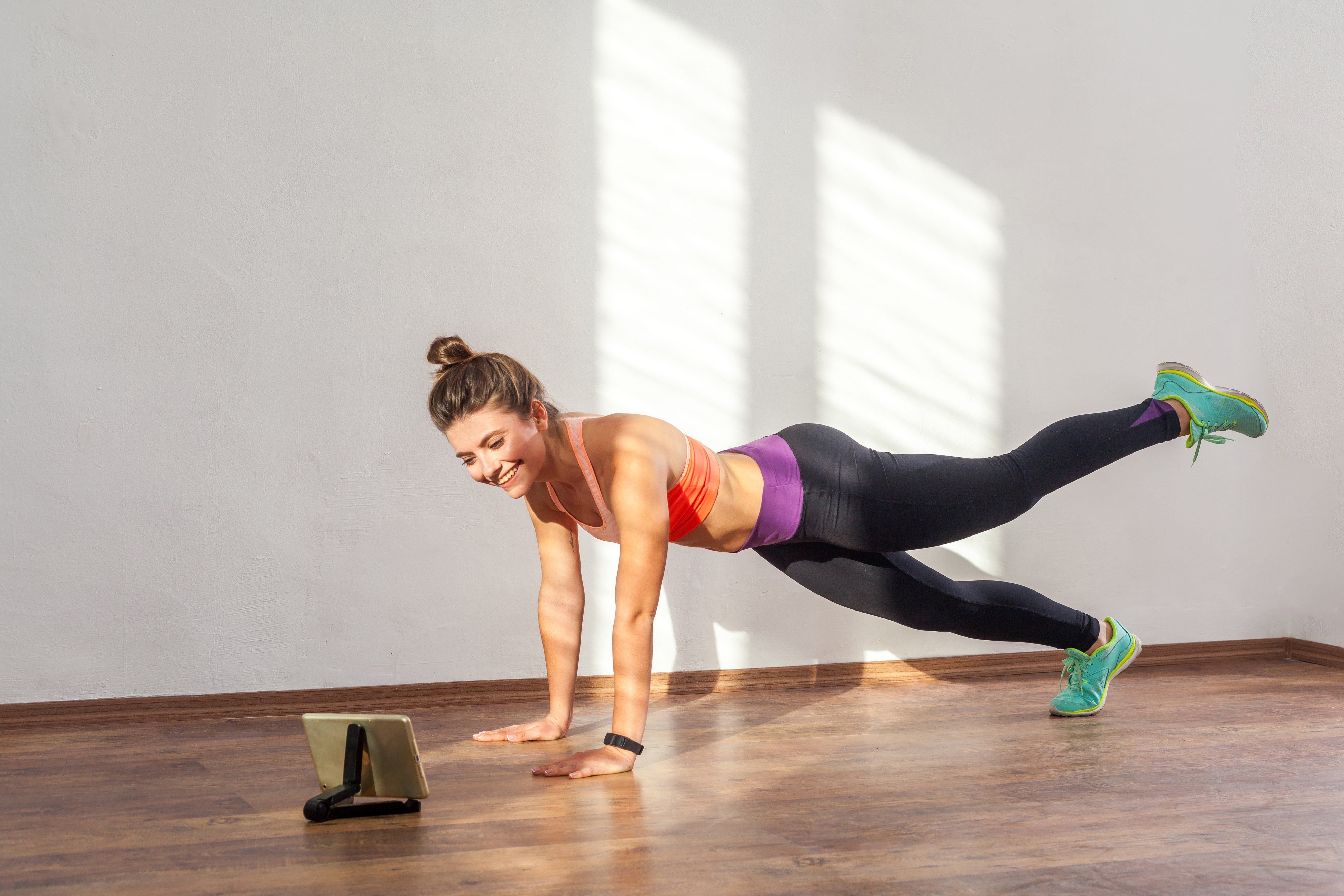 December Is Finally Here And While You May Be Tempted To Give Into The Siren Song Of Sweatpants And Seasonal Sweets There Are S Workout Workout Apps Exercise