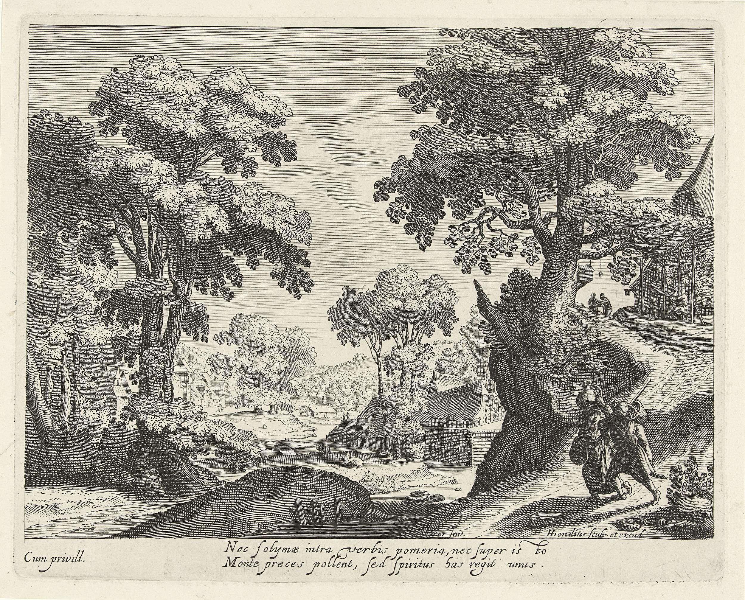 Hendrick Hondius (I) | Landschap met een boerenpaar op een landweg, Hendrick Hondius (I), 1599 - 1649 | Boomrijk landschap met op de voorgrond een boerenpaar op een landweg en op de achtergrond een paar huizen, waaronder een boerderij met een watermolen. Op de kronkelende landweg rechts nog enkele figuren en een vogelhuis aan een boom. De vrouw van het paar draagt een kruik op het hoofd, de man heeft een mand aan een stok over zijn schouder. Onder de voorstelling twee regels in het Latijn.