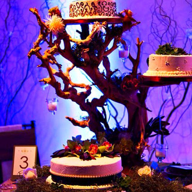 Wedding cakes gold manzanita