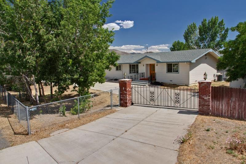 4860 Pembroke Drive Reno Nv 89502 339 000 Listing 140009568 See Homes For Sale Information School Districts Outdoor Decor Pembroke The Neighbourhood