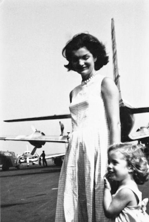 1960. Août ou Septembre. Jackie et Caroline. Hyannis Port