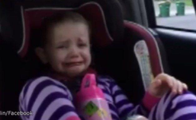 Abella, een meisje van vier jaar oud, barst in tranen uit wanneer ze hoort dat de Amerikaanse president Barack Obama binnen enkele maanden het Witte Huis m...