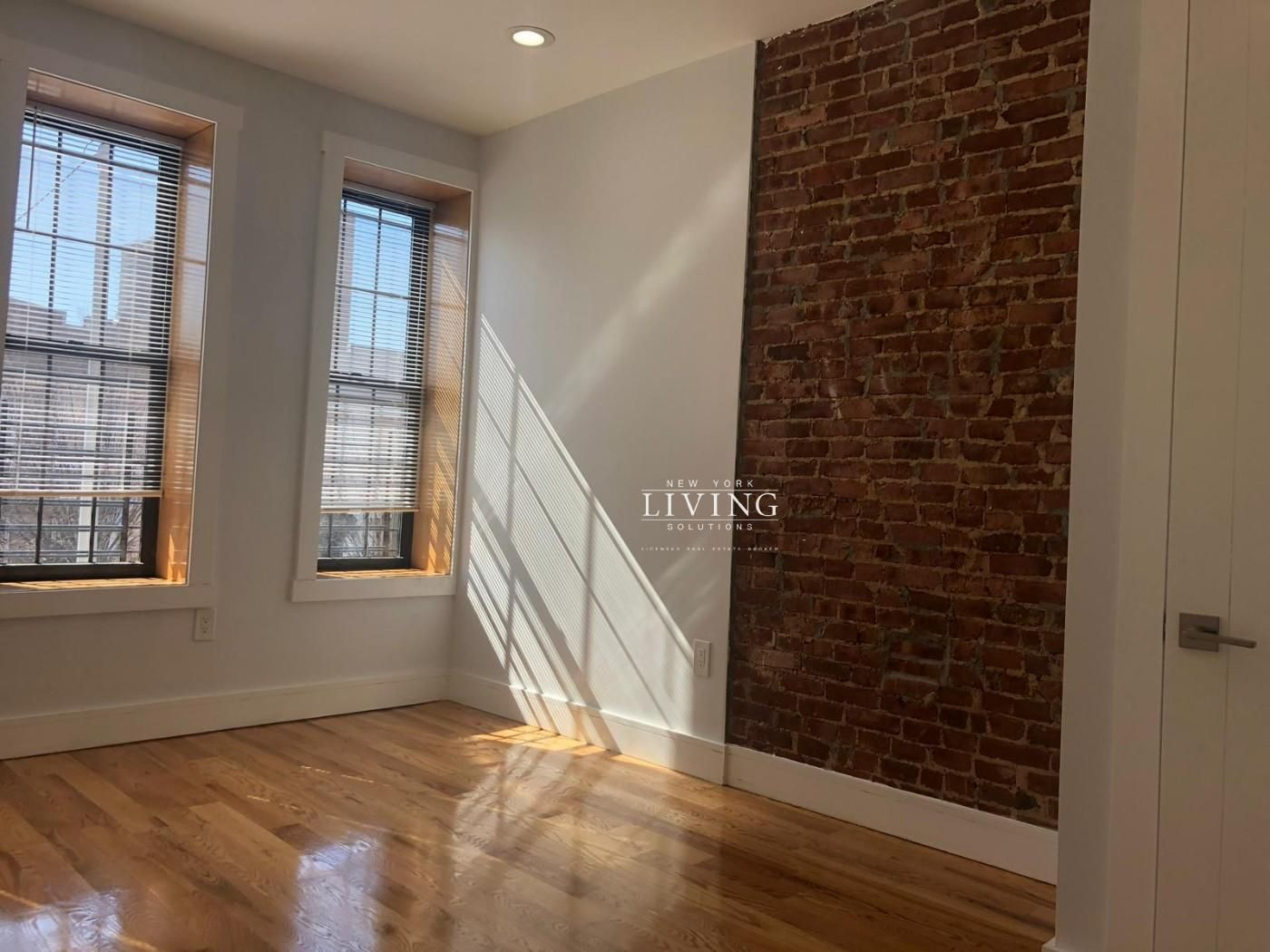 3 Bedrooms 2 Bathrooms Apartment for Sale in Ocean Hill