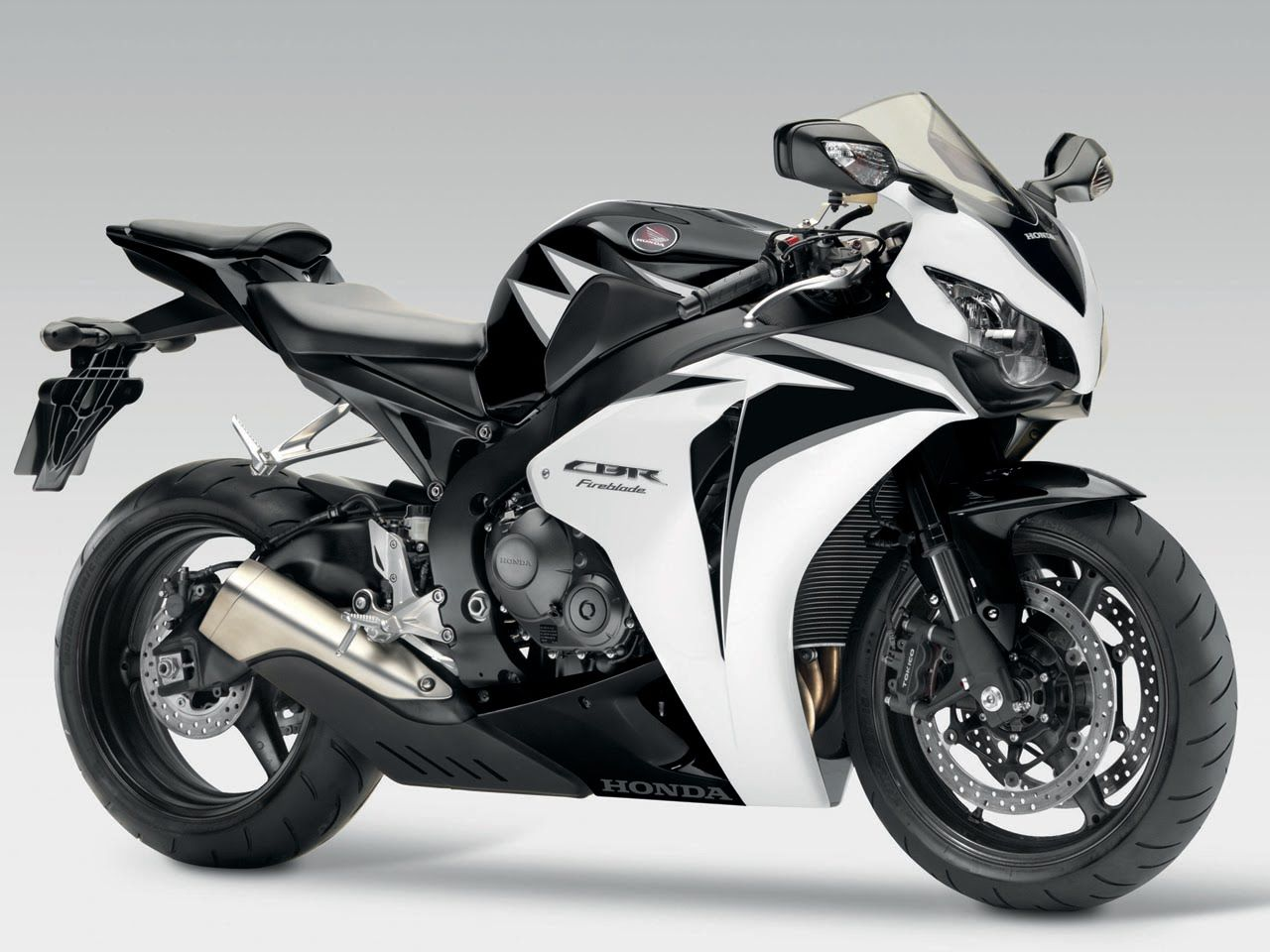 Cool honda cbr 1000 rr photo gallery complete information for Yamaha rr 1000