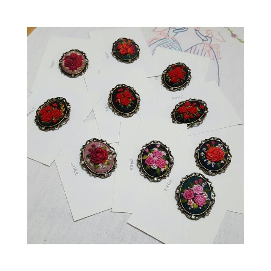 고마워요^^♡ #embroidery #handembroidery #handcraft #brooch #ricamo #bordado #broderie #love #rose #present #thank you #프랑스자수 #서양자수 #브로치 #고마워요 #gachi