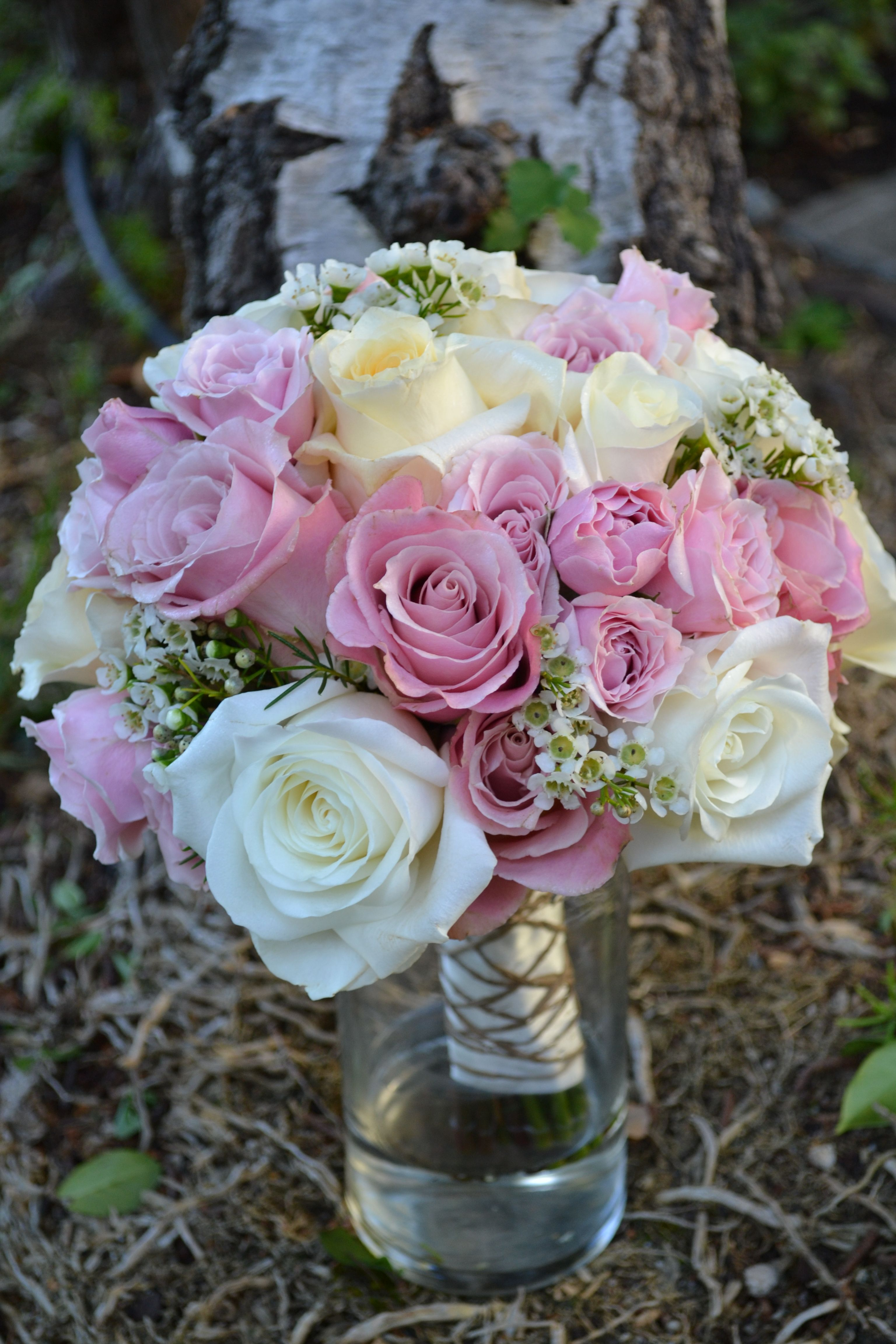 Simple mixed roses and wax flower bouquet by epic stems ventura simple mixed roses and wax flower bouquet by epic stems izmirmasajfo