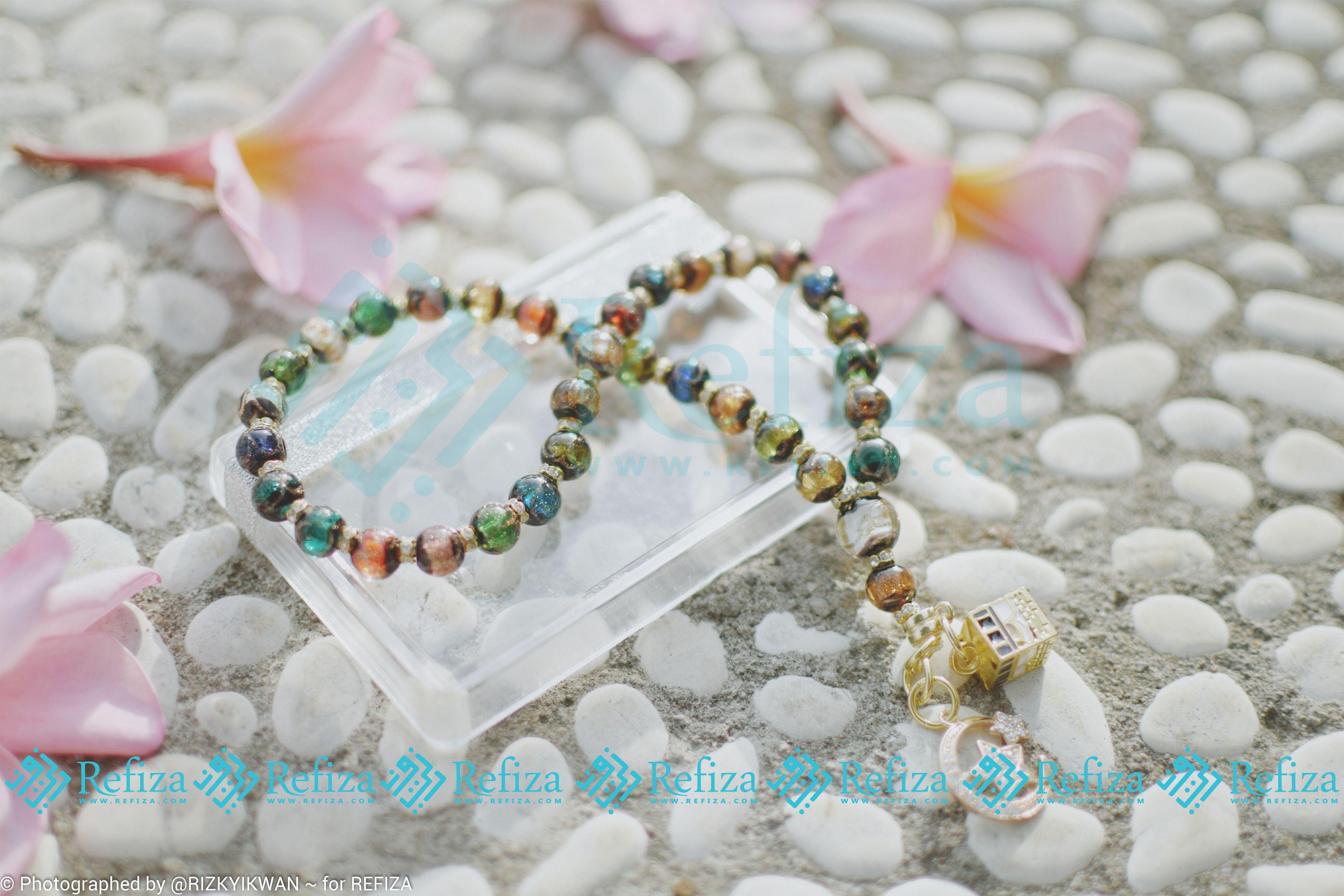 Butirannya Berkilau Seperti Kristal Dengan Corak Warna Yang Begitu Indah Ini Adalah Tasbih Terbaru Dan Eks Beaded Bracelets Lokai Bracelet Live Lokai Bracelet
