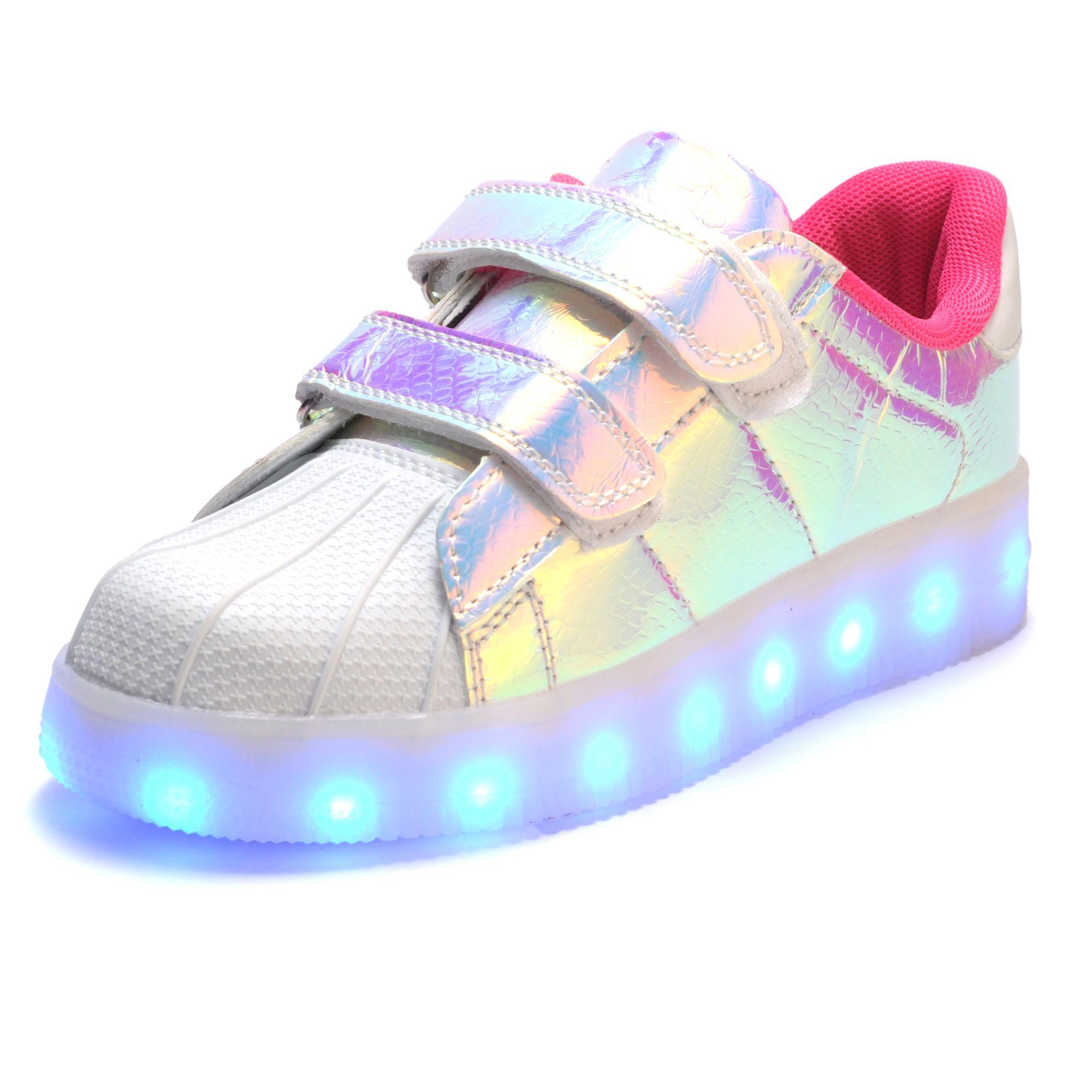 08b66a93359 Goedkope 2017 Hot Nieuwe Lente herfst Kids Sneakers Mode Lichtgevende  Verlichte Kleurrijke led verlichting Kinderen Schoenen