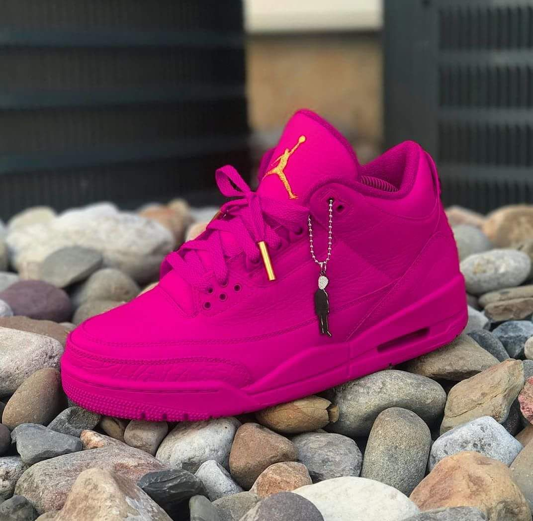 6777d9aabdbe56 MUST HAVE SNEAKERS