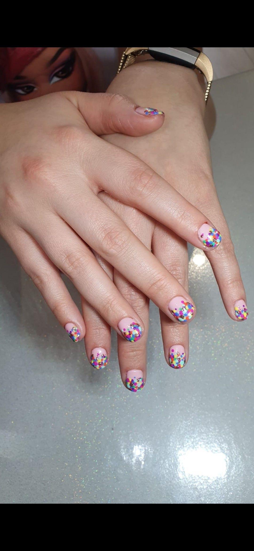 Nailart with dots. Birthday nails!
