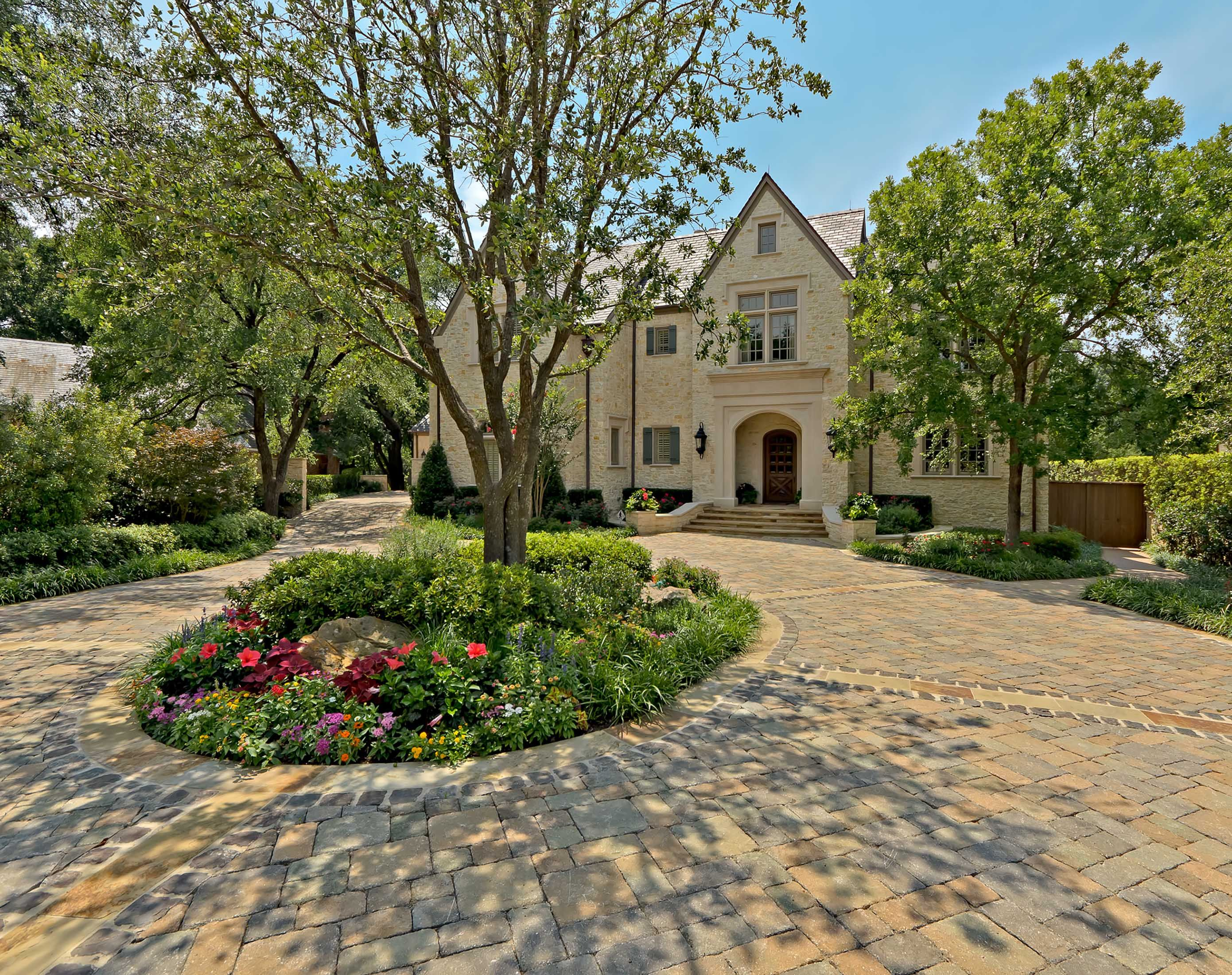 Dallas residence design by fusch architects landscape for Landscaping rocks dallas