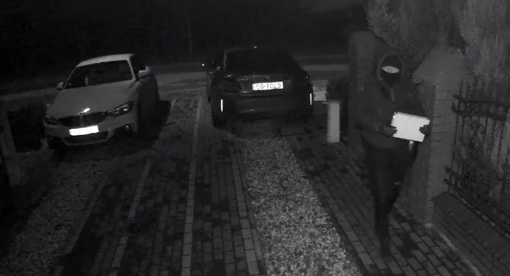 Watch A Bmw M2 Competition Get Stolen In A Keyless Relay Attack Its All Well And Good To Own A Car Featuring A Key In 2020 Bmw M2 Keyless Entry