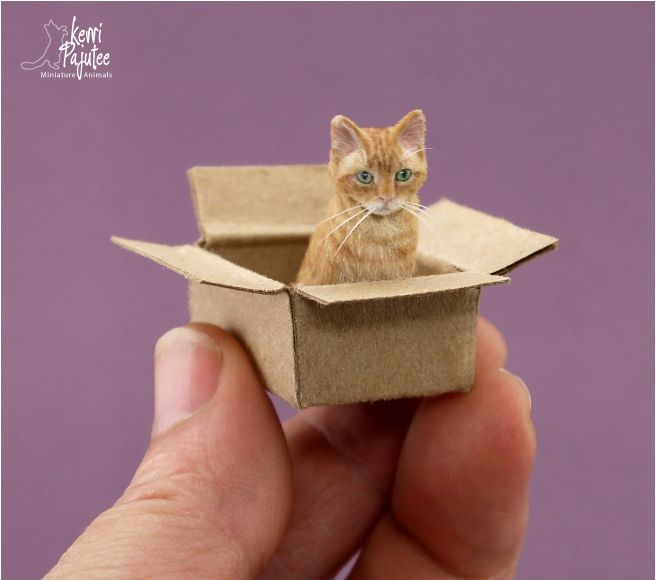 Dollhouse Miniature 1:12 cat sculpture made of BeeSputty clay, paint, & dressed in applied alpaca fibers & flock. #miniaturedolls