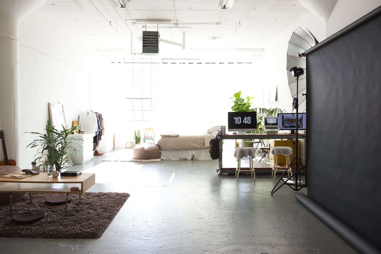 Jeanette Mikul S Airy Sunny And Minimal One Room East Bay Loft  # Muebles Sunnies