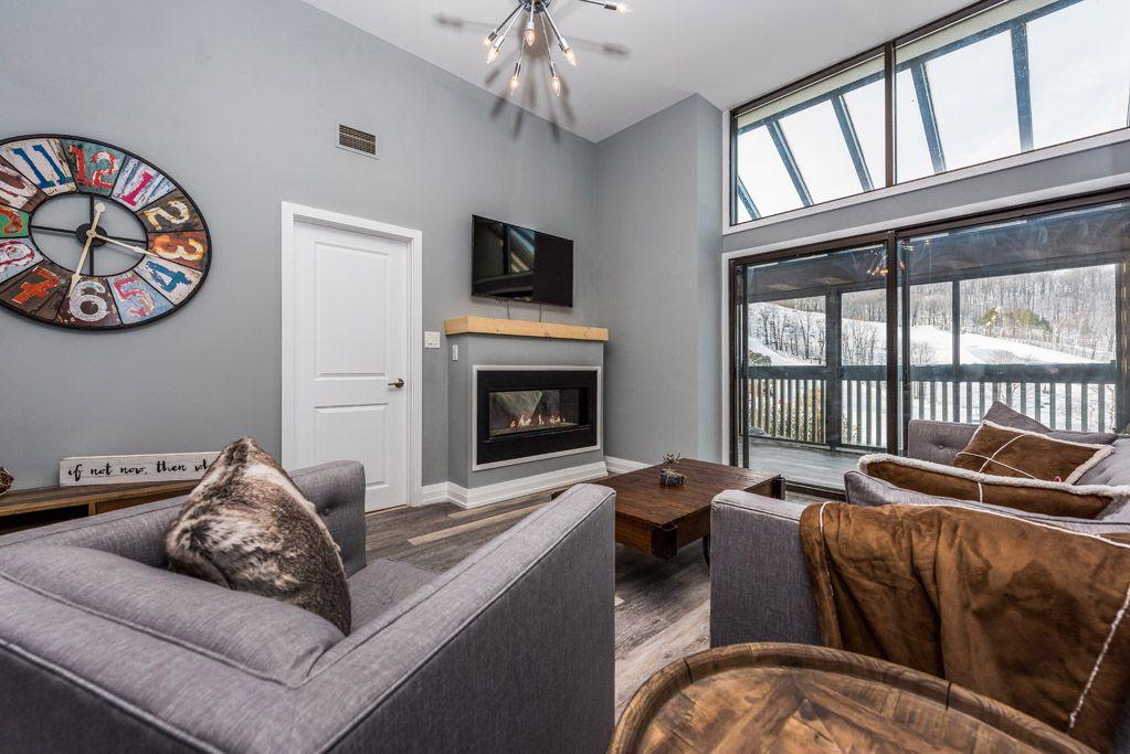 Condo Living Room / Slopeside At Horseshoe Valley Resort