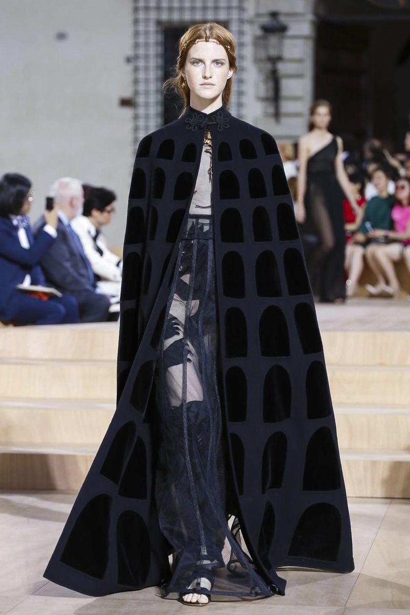 Valentino Couture Fall/Winter 2015 Fashion Show