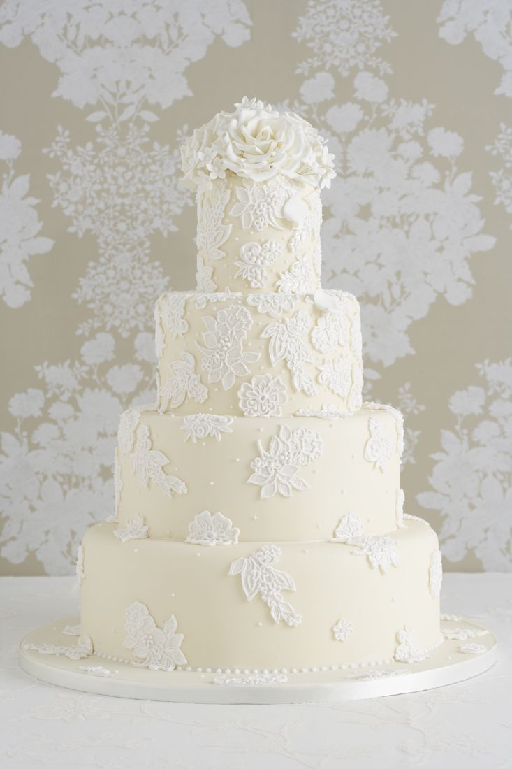 Oscar de la Renta Lace Inspired Couture Wedding Cake | Wedding Ideas ...