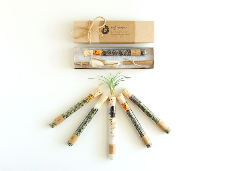 Petite Bath Affirmations - Set of 10 Single Organic and All Natural Bath Salt Favors in Test Tubes #wedding #weddingfavors #hotelfavors #gift #favors #bathsalts