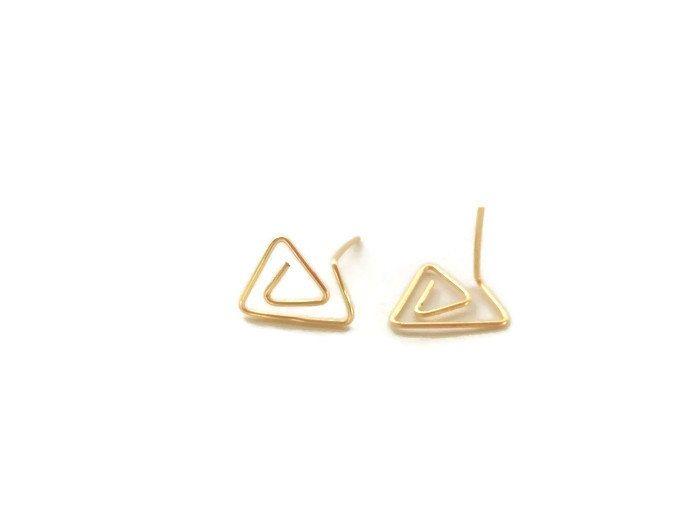 Pendientes cortos geometricos abstractos pendientes alambrismo dorados pendientes minimalistas regalos para ellas regalos para chicas by MaySantelizModa on Etsy