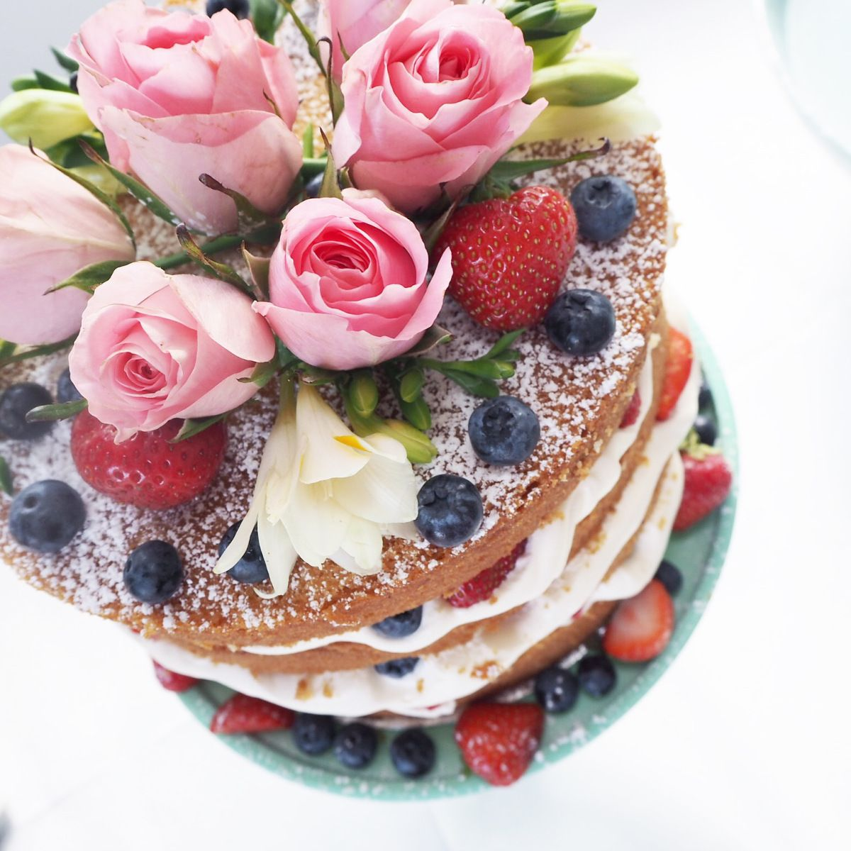 RUSTIC NAKED VICTORIA SPONGE LAYER CAKES