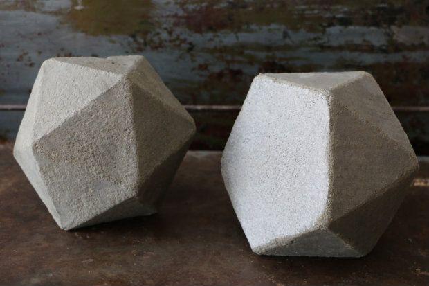Diy Geometric Concrete Bookends Tutorial Concrete Crafts Diy Home Crafts Arts Crafts Storage