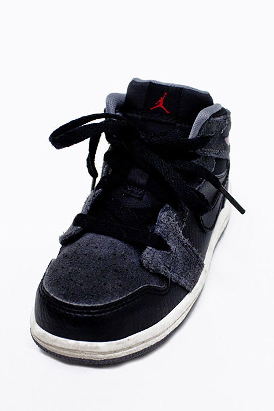 check out 2618e c67ae Nike Air Jordans Boy Sneakers