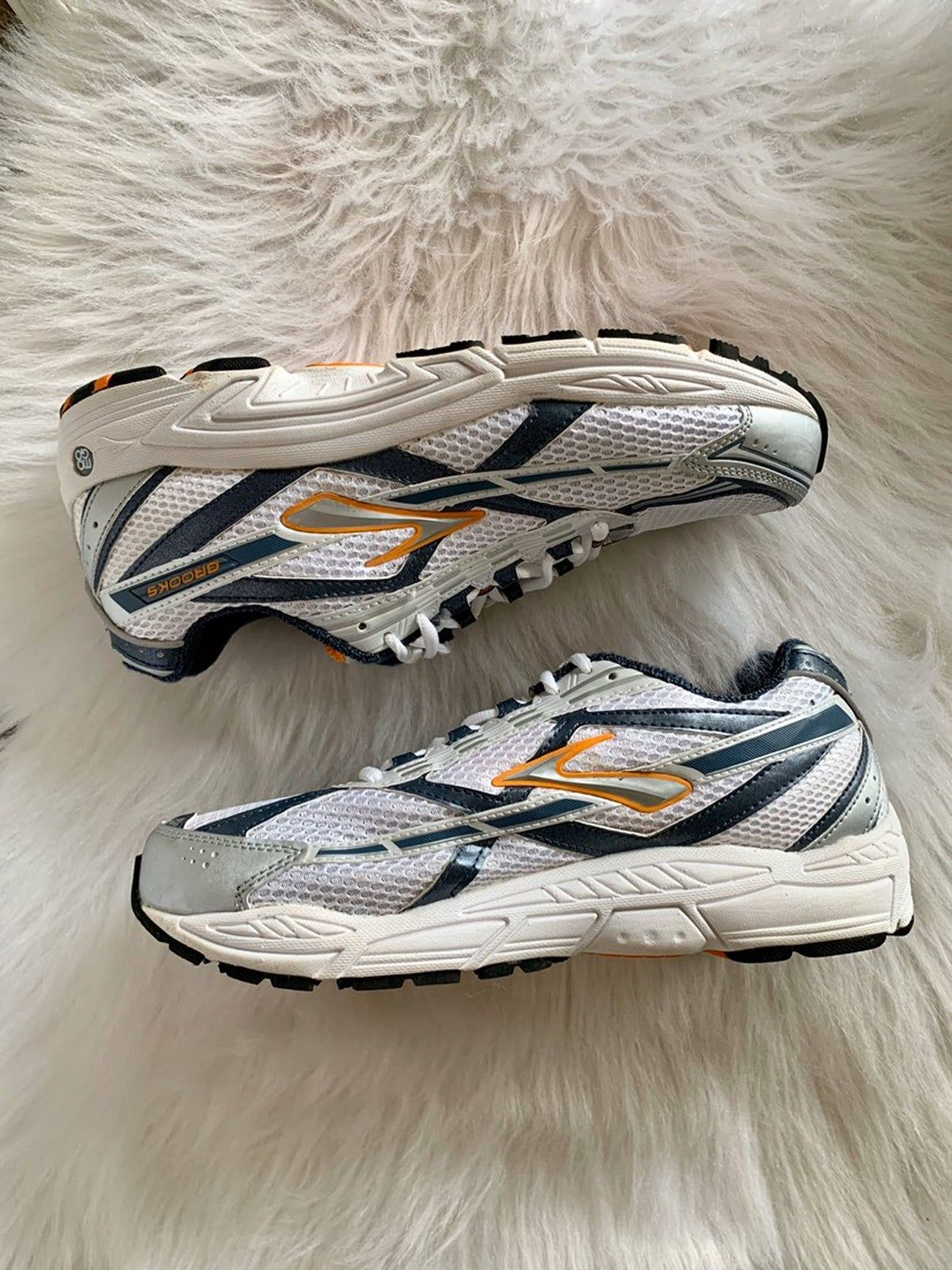 Brooks Dyad Running Shoes Size 9 in 2020 Shoes, Running