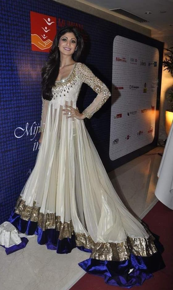 Shilpa Shetty Hot Cleavage Show Pics in Ivory White Bridal Anarkali ...