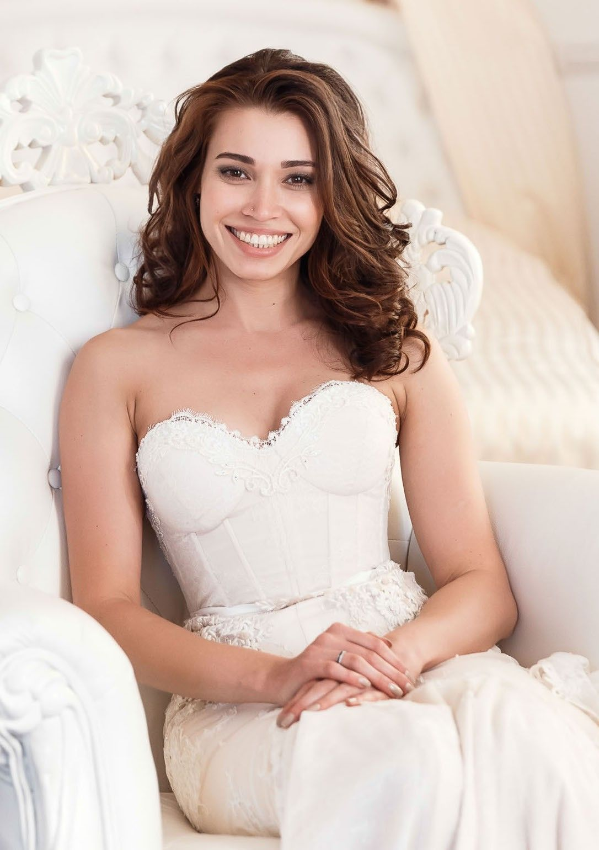 Inbal dror 13 23 size 6 wedding dress inbal dror wedding inbal dror 13 23 second hand wedding dress on sale 54 off ombrellifo Gallery