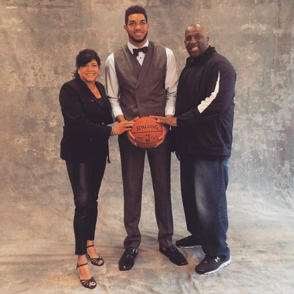 Karl Anthony Towns with his mom and dad