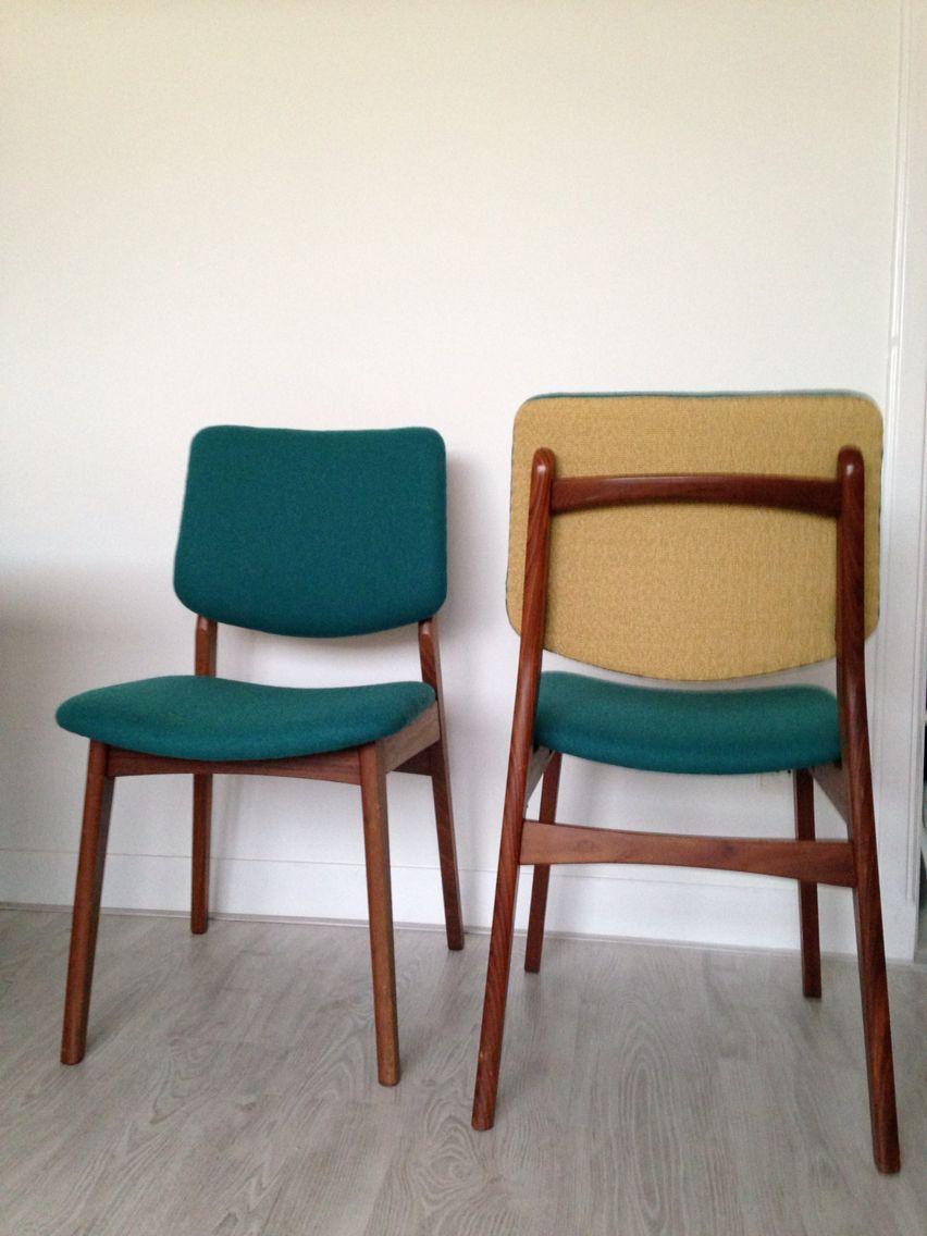 Opnieuw gestoffeerde retro eetkamer stoelen. Mooie diep zeegroene ...
