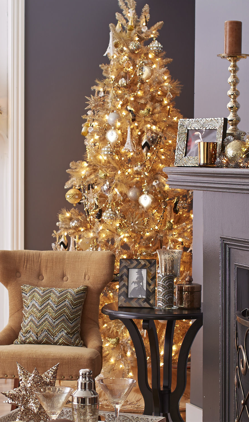gold christmas treelooks great with grey - Gold Christmas Tree Decorating Ideas