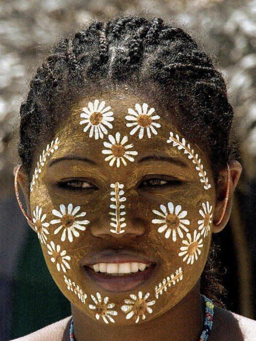 darkchoccandybar:  African Woman from Madagascar. Darkchoccandybar.tumblr.com