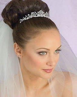 peinados para novias con accesorios