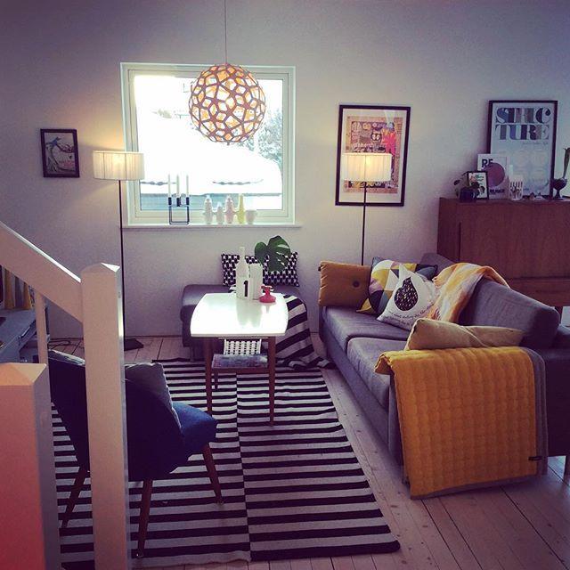 God morgen!! #home #myhome #mitthjem #mithjem #minbolig #boligstyling #indret #mystyle #indretning #indretningsstil #interiør #scandinaviandesign #skandinaviskdesign #skandinaviskehjem #stue #livingroom @colorful_interior #colorlovers #colormehappy