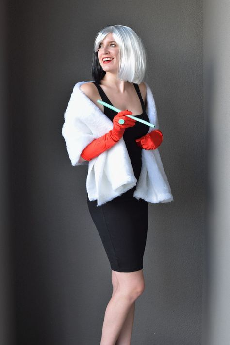 DIY Cruella Deville Costume is part of Cruella deville costume - Halloween always makes me want to bring out a side that no one expects  Being a puppy loving, smile adorned, and (usually) nonaggressive type, Cruella Deville was the perfect opposite character fo…