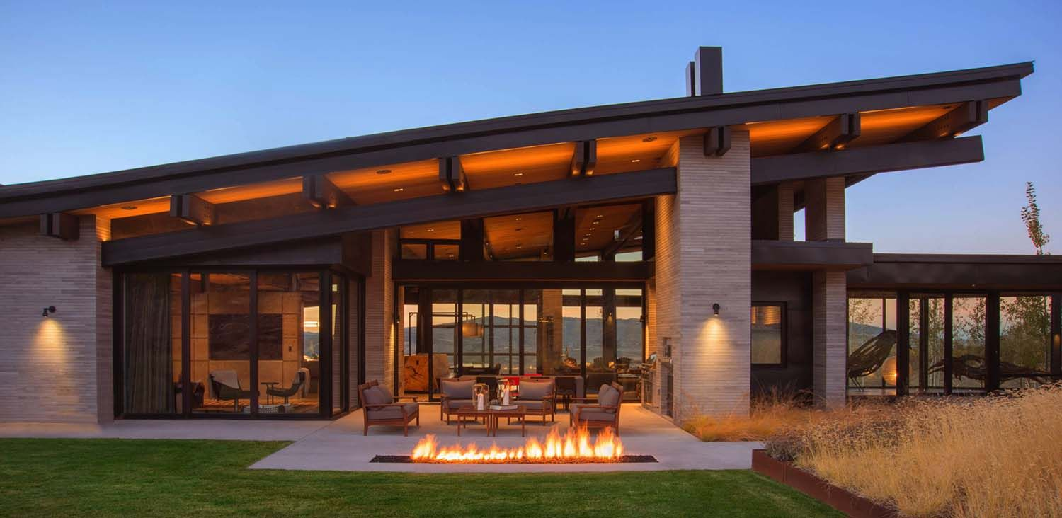 Utah firepit fire mountainliving home onekindesign archilovers architecture