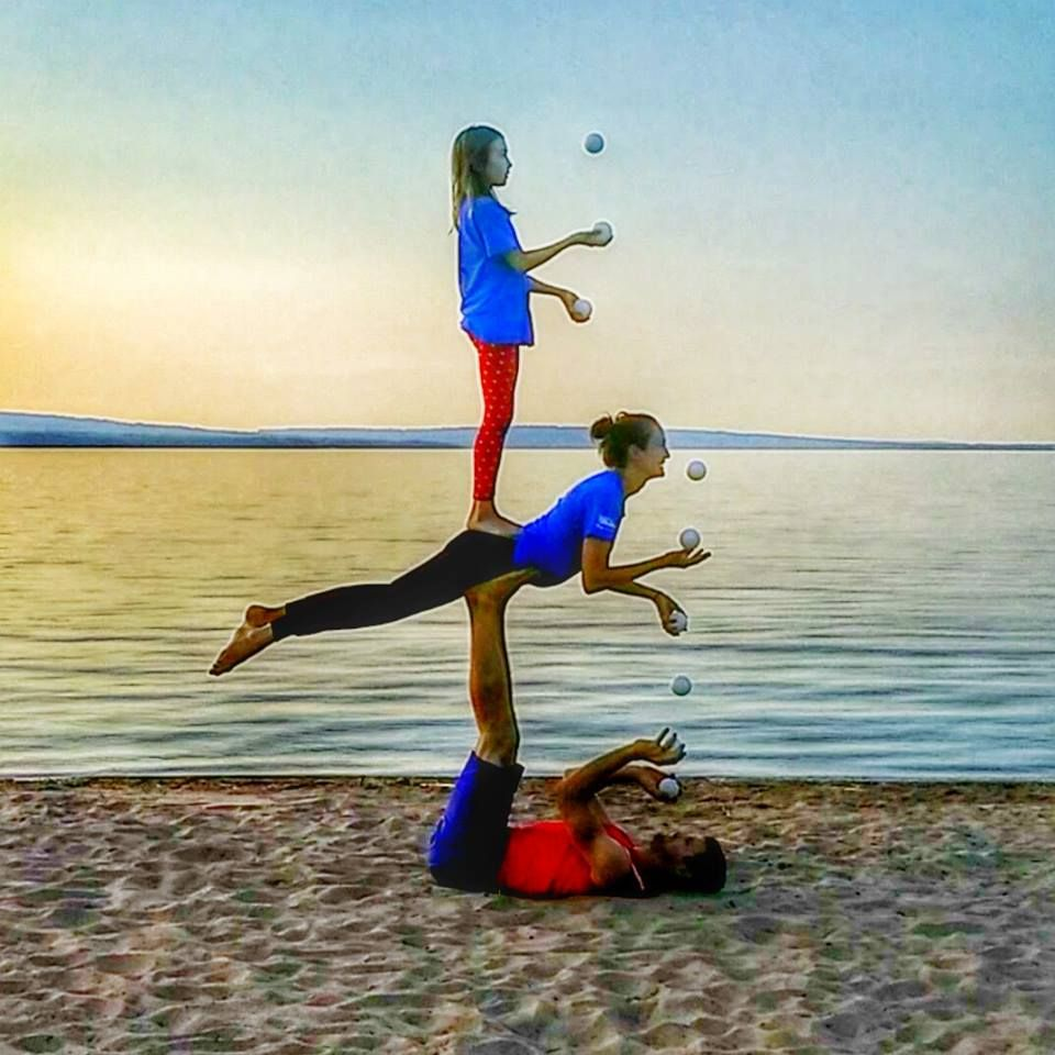 Bob And Trish Acro Yoga Three Person Juggling Bird Sandwich Sunset Ashland Wisconsin Kids Juggle Ki Acro Yoga Poses Three Person Yoga Poses Yoga Poses