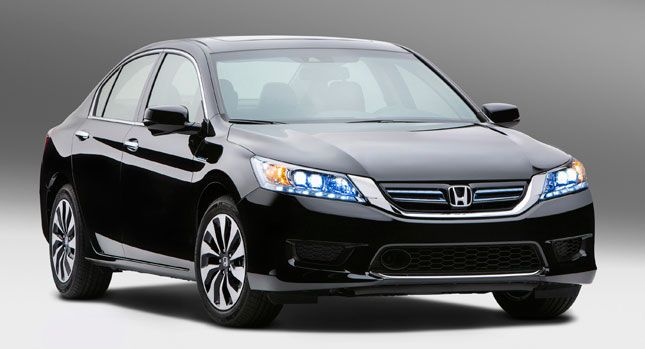 Honda last year introduced the ninth-generation Accord for the U.S. market (as a sedan and coupe), and now it has been announced that in October this year in the U.S. and start selling Accord Hybrid.  In short, the 2014 Accord Hybrid combines a 2.0