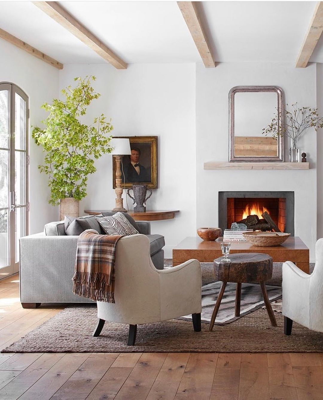 One Of You Sent Me This Picture Today Because You Thought I Would Love It Contemporary Rustic Living Room Modern Rustic Living Room French Country Living Room