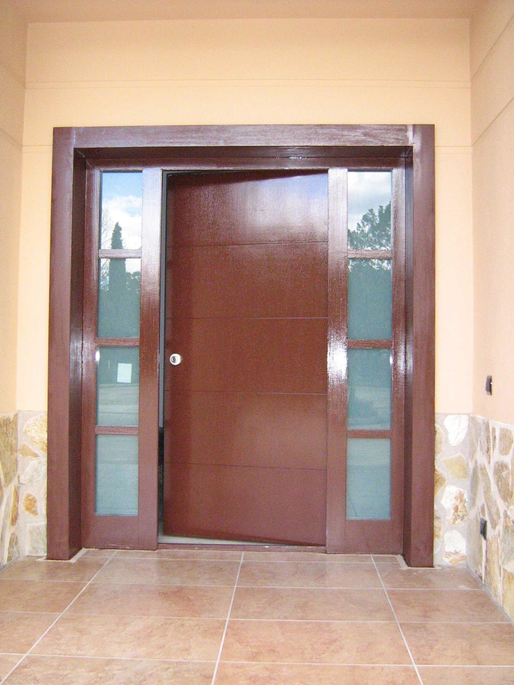 Puertas con decoraci n en vidrio puertas acorazadas for Puertas decoradas con dinosaurios